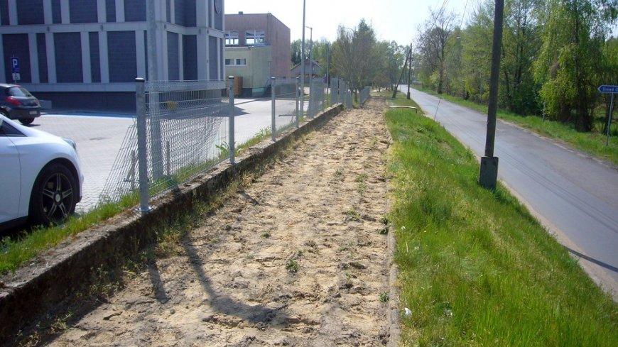 Rozpoczęły się prace przy przebudowie chodnika w Lubrzy