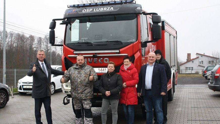 Nowy wóz ratowniczo – gaśniczy dla Ochotniczej Straży Pożarnej z Lubrzy